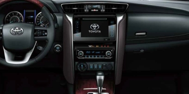 Toyota SW4 Panel central