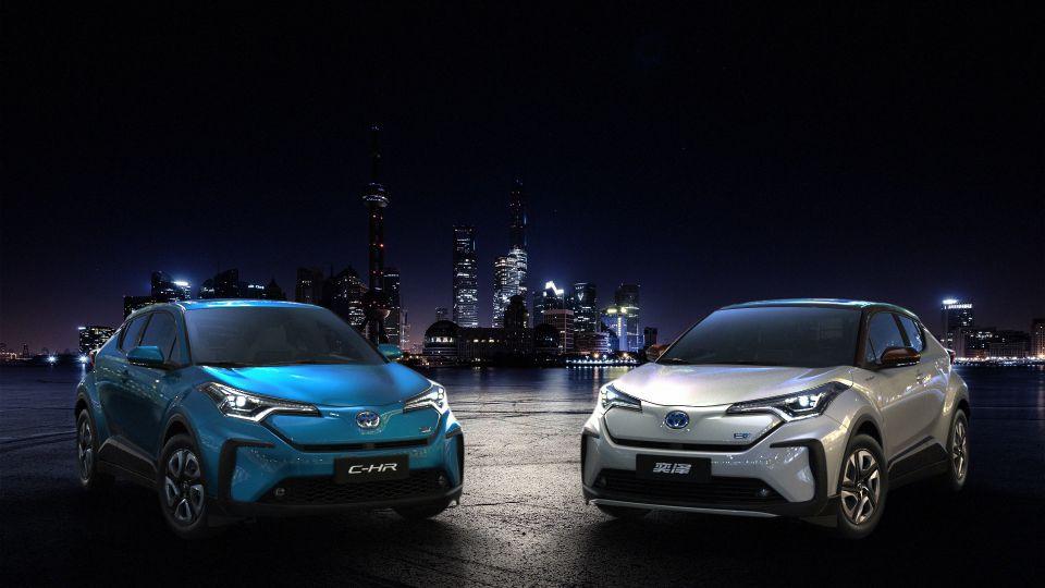 Toyota adelantó dos vehículos eléctricos de batería…