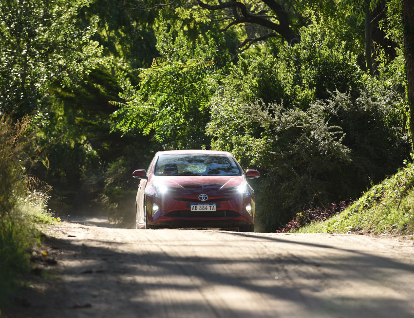 Toyota: un verano con híbridos y servicios de movilidad…